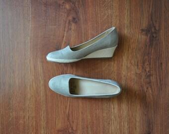70s beige canvas wedges / 1970s natural fabric shoes / vintage espadrille wedges 6