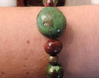Gemstones bracelet : turquoise and jaspe.