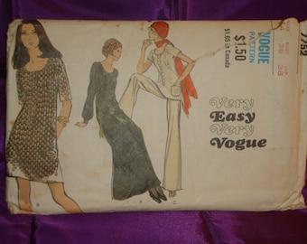 1970s 70s BoHo Vintage Dress or Tunic w U Neck Raglan Sleeves n Wide Leg Pants COMPLETE Vogue Pattern 7752 Bust 36 Inch 92 Metric EASY
