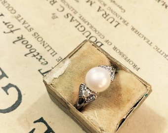 Vintage Avon Sterling Silver and Faux Pearl Ring - Size 9