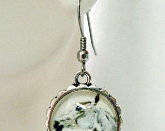 White horse earrings - HAP07-009
