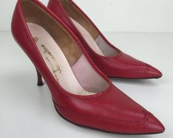red leather wingtip stiletto pumps sz 8 50s