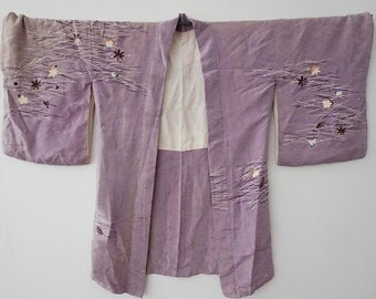 Vintage Japanese Kimono, 1970s, purple,Traditional patteren,silk, floral, one size