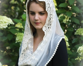 Evintage Veils~ Traditional Soft Lace French Chapel Veil Mantilla: Infinity or D Shape, Ivory or Black