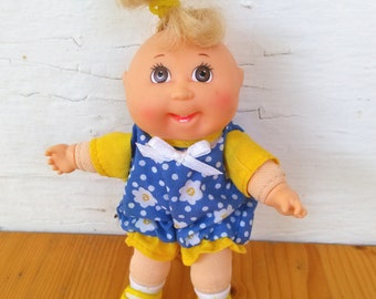 """Vintage 1995 Miniature Cabbage Patch Doll 4"""" Baby Cabbage Patch. Miniature Baby Doll"""