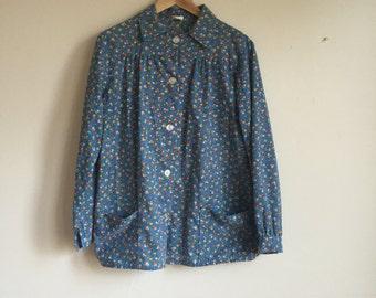 70s Blue Floral Shirt. 1970s Medium Long Sleeve Shirt. Women Work Shirt.