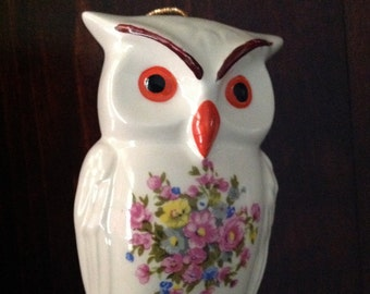 Vintage Ceramic Pomander, Owl Sachet Potpourri Diffuser, Refillable Closet and Drawer Sachet, Owl Figurine Statue