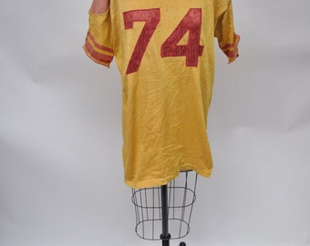 vintage tshirt JERSEY t-shirt shirt jersey DISTRESSED oversized boyfriend fit jersey football 1950s