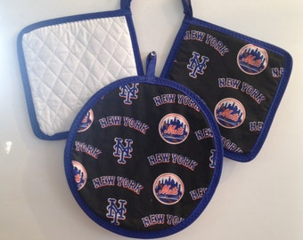 NEW YORK METS Quilted Potholders  Set of 2 square--8.00  Round 5.00 each