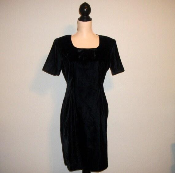 Kurze formelle Kleidung samt schwarzen Kleid Kurzarm