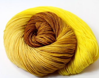 Honey Lemon Ginger Tea -DYED TO ORDER Sock Fingering Yarn 100g 463yd 75/25 Superwash Merino Wool/Nylon Groovy Hues Tea Collection yellow