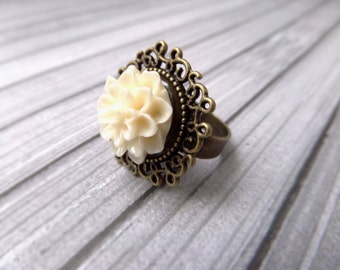Ivory Flower Ring Delicate Bridesmaids Ring Ivory Bridesmaid Gift Cream Flower Ring Bridesmaid Adjustable Ring Flower Cocktail Ring for Prom