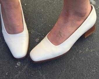 Vintage Talbots White Minimal Block Heels - Size 6M