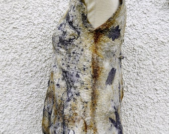 Top of nuno felt. Merino Wool, cotton and silk, dyeing with natural dyes. Botanical eco-impresiones on natural fibers. Ecoprint.