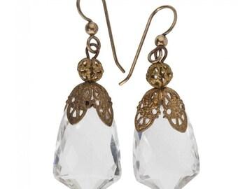 Vintage faceted crystal drop earrings with brass filigree. (erbg852)