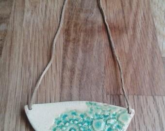 "Glazed ceramic bib necklace: ""Dantelle"" (floral)"