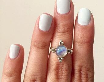 Minimal Delicate Rainbow Moonstone 925 Silver Ring / Luna and Silver Ring / Gemstone Delicate Stacking Ring