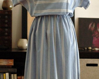 S A L E ~ Vintage blue day dress M/L