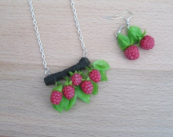 Natural Jewelry set Gift for women Nature pendant Rustic necklace Red berry necklace Polymer clay jewelry set Berry earrings Rustic jewelry