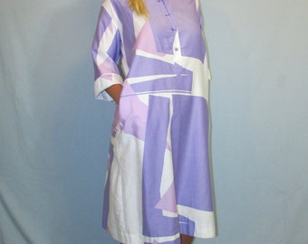 1960s 1970s Catherine Ogust Penthouse Gallery Purple and White Cotton Color Block Dress Made in Japan Size Medium