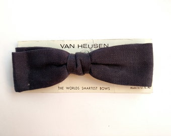 Van Heusen Bow Tie