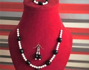 Elegant black and white beaded necklace, earrings and bracelet, costume jewellery 3 piece set