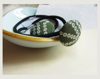 Japanese Kimono Fabric Covered Button Hair Tie // 22mm // Chirimen Covered Button Wrist Band // Ponytail Holder // Mother's Day // Pair