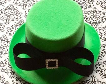 Green Mini Top Hat, Mad Hatter Hat Fascinator, Green Headbands, Baby Girl Headbands Photo Prop, Infant Headband Bows