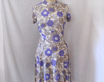 CLOSING SALE 1960s-70s paisley knit dress. Mod. Plum purple and brown. Metal zipper in back. Blue union label.
