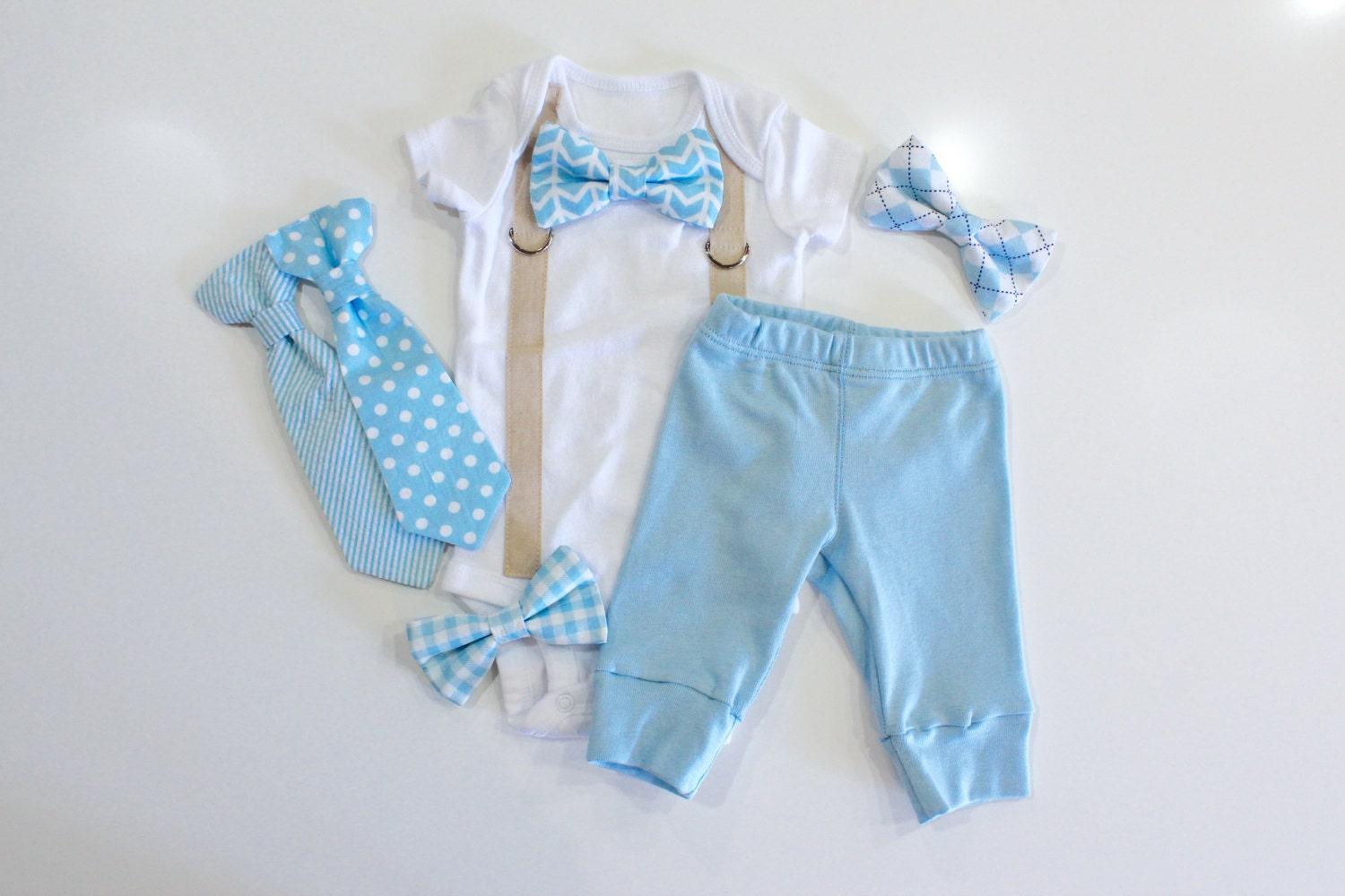 The Best Baby Coming Home Outfits for Every Season From layettes to cotton muslin onesies, here are the sweetest looks for baby's homecoming. In the first few days of your baby's life, there are many important moments you'll want to treasure forever.