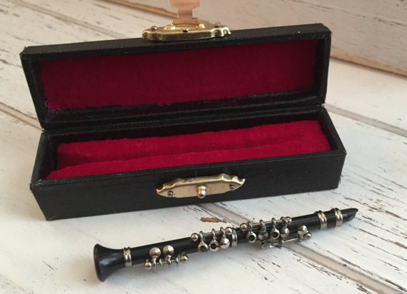 Miniature Clarinet with Case, Dollhouse Miniature,  1:12 Scale, Dollhouse Accessory, Decor, Musical Instrument