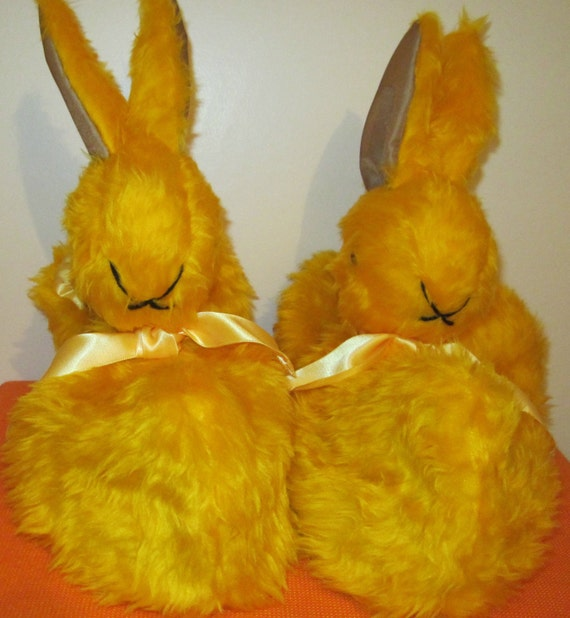Novelty Rabbit Slippers Yellow Plush Slipper Plush Lined Slipper Made to Measure Warm Foot Gear Unisex Indoor Shoes Unisex Adult Slippers