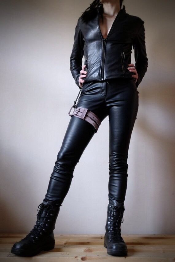 leather garter belt lilac steunk burning
