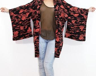 Vintage SILK Japanese Garden KIMONO Black Coral Bohemian Asian Robe // TatiTati Style  on Etsy