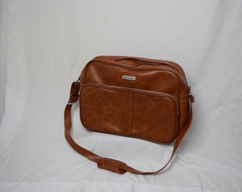 World Traveler - Medium Sized Over the Shoulder Brown Leather Suitcase
