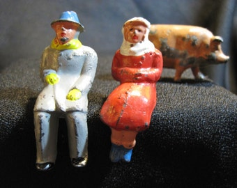 Vintage Lead Toys - Two Passengers/People and a Pig