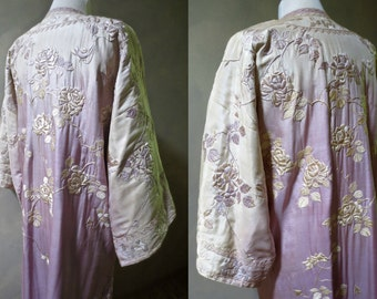 Chinese Opera Coat 1910-1920's Lavender-Violet Ombre with Embroidered Roses Dressing Gown Robe