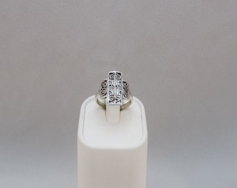 Sterling Silver Art Nouveau Band Ring size 5 3/4 Cross Ring
