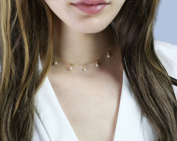 Mini Pearl Choker Necklaces // Dainty Choker with pearls / pearl dangle necklaces // Dainty Necklace