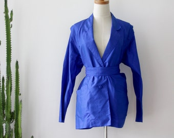Klein silk jacket. Royal blue silk blazer. Blue silk shirt. Klein blue Obi jacket. Blue Silk avant garde jacket