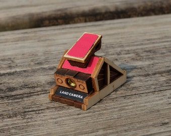 Miniature Wood Camera Necklace - Wood Necklace - Miniature Camera - Photographers Gifts - Antique Camera Jewelry - Instant Camera Necklace
