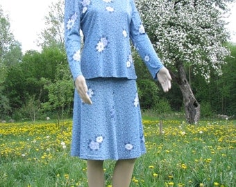 Vintage SET SUIT blue BLOUSE and skirt romantic dress flowers pattern