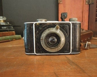 Vintage Foth Derby German Camera / Vintage Photography / 1931 Original Foth Derby  Camera / Leather Case and Straps