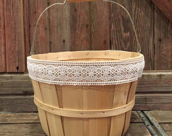 APPLE BASKET | One (1) Vintage-inspired farmhouse apple basket; Up-cycled bushel basket; Shabby chic storage; Cute gift basket