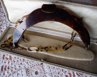 antique vintage resin tortoise shell hand bag hinged purse handles, clasp and tortoiseshell pattern link chain