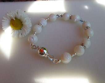 Mother of pearl bracelet with silver and Crystal, wonderful summer!