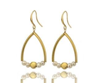 Bridal earrings,pearl earrings,wedding earrings,gold earrings,dangle earrings,bridesmaid earrings,wedding jewelry