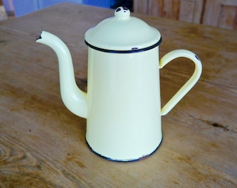 Enamel Coffee pot / Vintage french enamel coffee pot/ Pale yellow enamel coffee pot