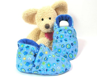 Blue handmade baby slippers with fleece on the inside size 0/3 months Tricotmuse