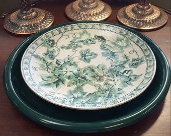 Ivy Leaves & Green Plate